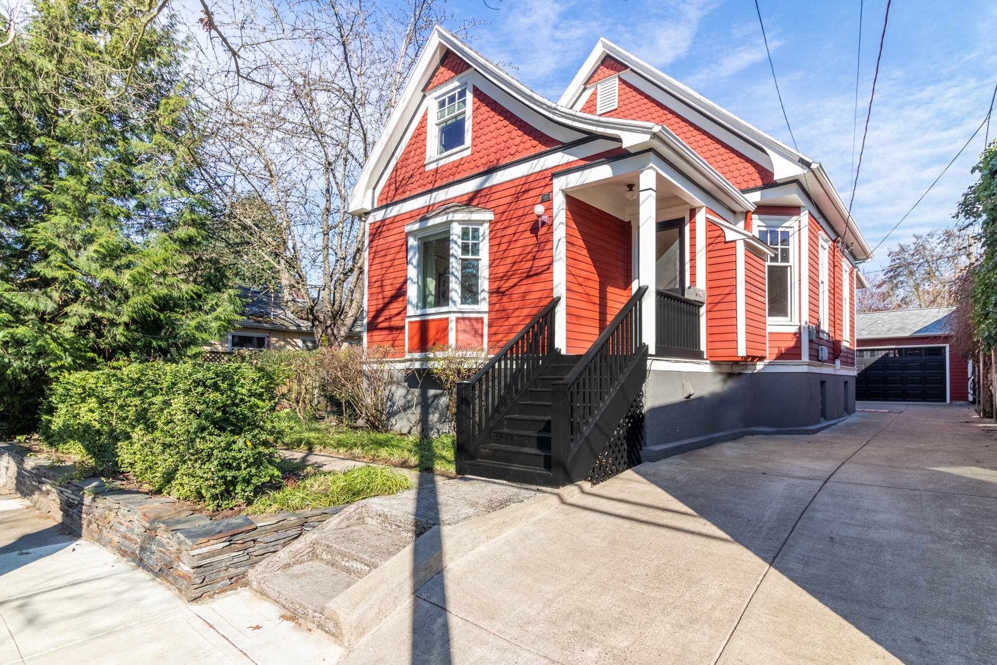 SOLD for $494,000 in 17 DOM! Restored Victorian in Sellwood! 1117 SE Umatilla St. PDX 97202.